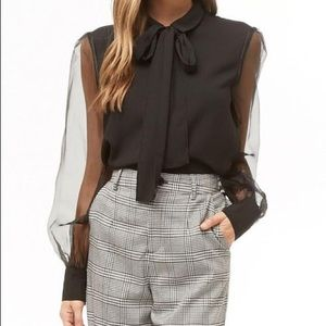NWT Bow tie blouse top